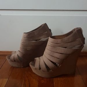 Tan strap wedge